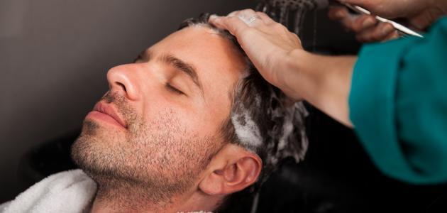 كيفية ترطيب الشعر للرجال