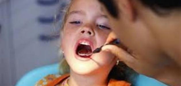 متى يبدأ نمو الأسنان عند الإنسان