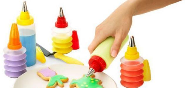 ما هي أدوات تزيين الكيك