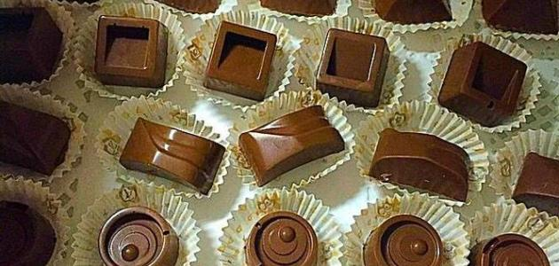 طريقة عمل قوالب الشوكولاتة المحشوة