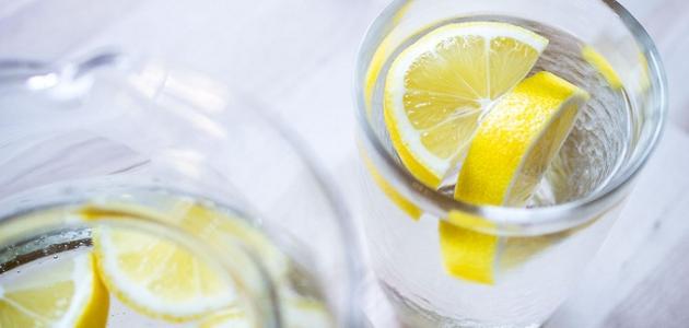 فوائد شرب الماء مع الليمون يومياً
