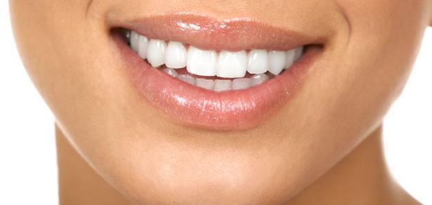 كيفية الحصول على اسنان بيضاء