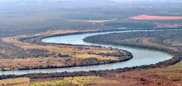 أين يقع نهر ساو فرانسيسكو حروف عربي