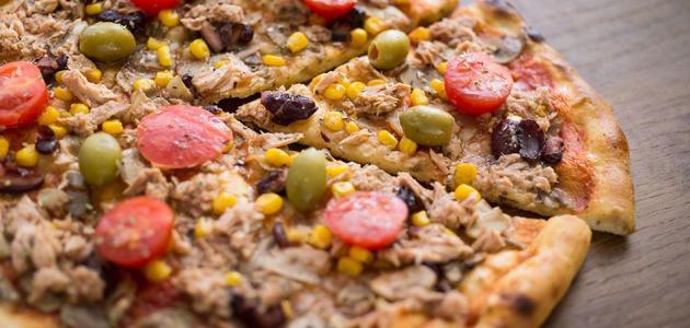 وصفة بيتزا التونا بالتوست - فيديو