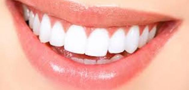 أفضل طرق تبيض الأسنان