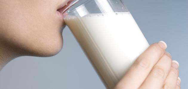 فوائد شرب اللبن الرائب قبل النوم