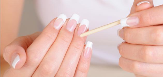 إزالة الجلد الميت من الأظافر