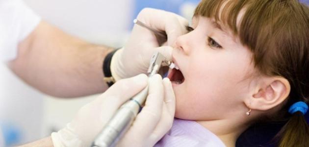 العناية بالأسنان اللبنية - فيديو
