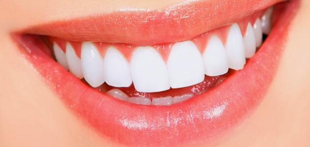 كيف أستطيع تبيض اسناني