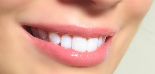 كيف تجعل أسنانك بيضاء
