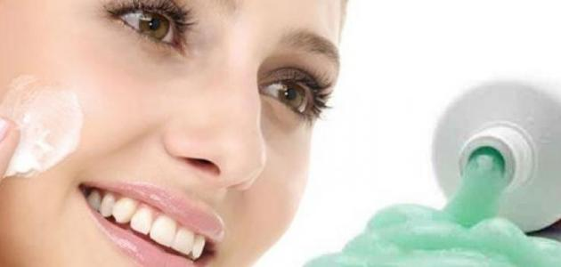 ما هي فوائد معجون الأسنان